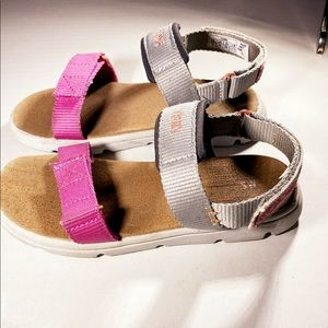 TOMS Ray Open Toe Sandals for girls